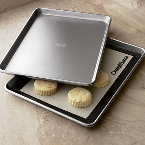 Cookie sheets & baking sheets