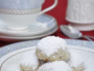 Five Holiday Cookies from Around the Globe