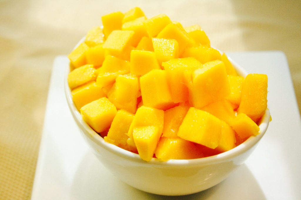Learn how to cut a mango, simply and quickly! Chef Danielle gives you step-by-step instruction on how to slice and dice a mango with ease!