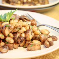 Cremini vs Portobello | Mushroom & White Bean Saute
